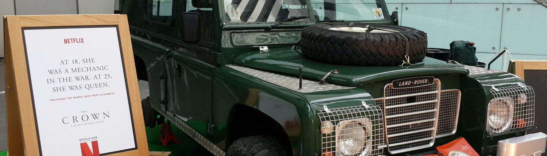 Netflix Offline Crown advert, a jeep in raffles place